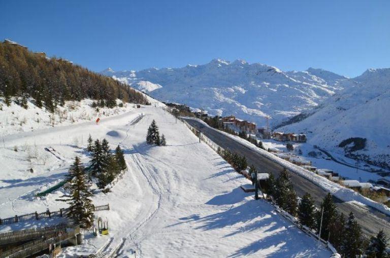 3 Pièces 6 Pers skis aux pieds / BURONS 807