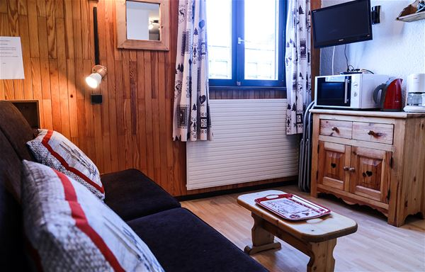 2 rooms 5 persons / LES GRANDES BOSSES 2 INDEPENDANT STUDIOS FACE TO FACE (mountain of charm) / Tranquility Booking