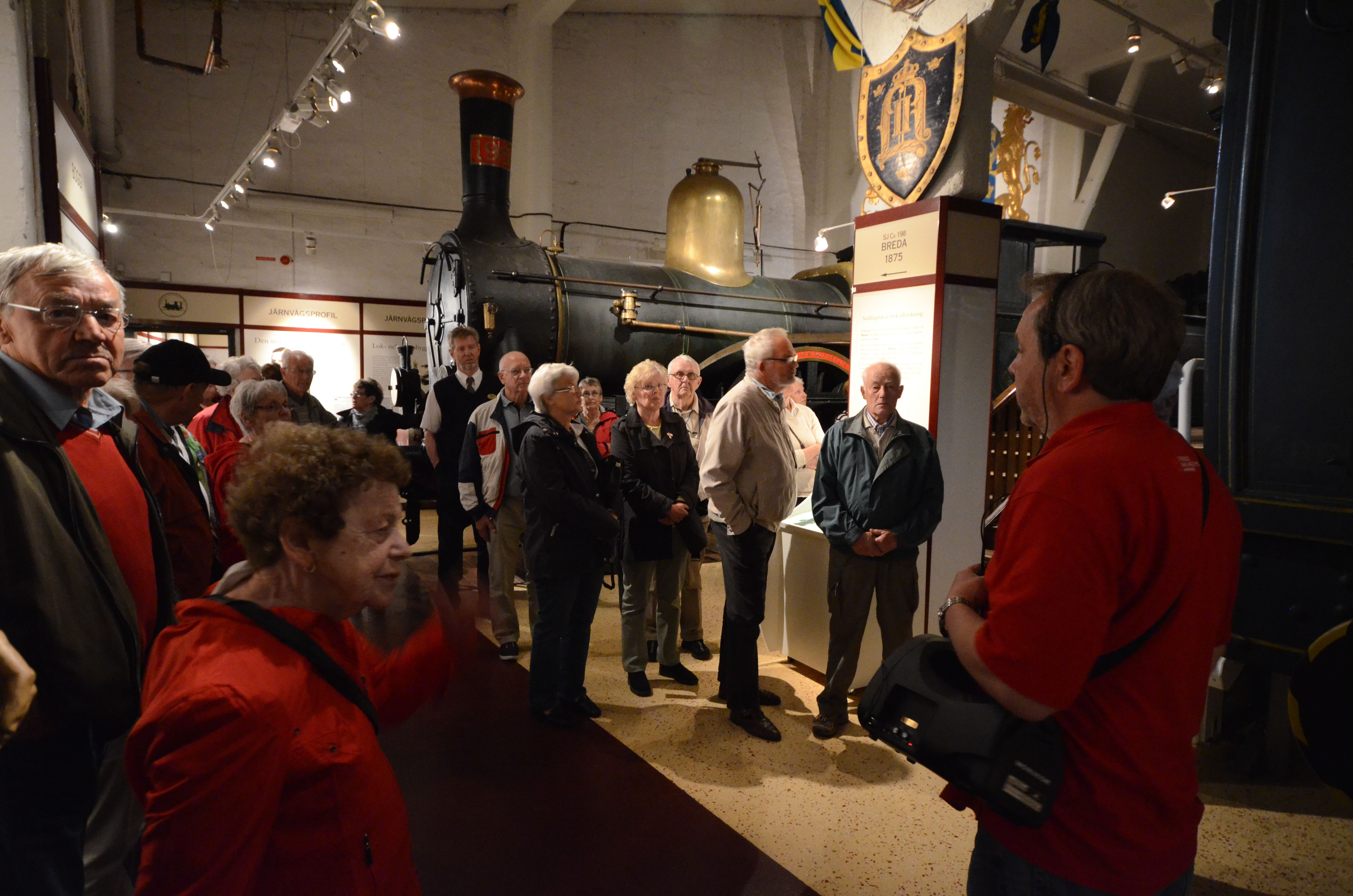 © Sveriges Järnvägsmuseum, På söndagar erbjuder vi våra gäster en visning i museet med guide. Visningen är ett kortare stopp i historien på ca 25 min.