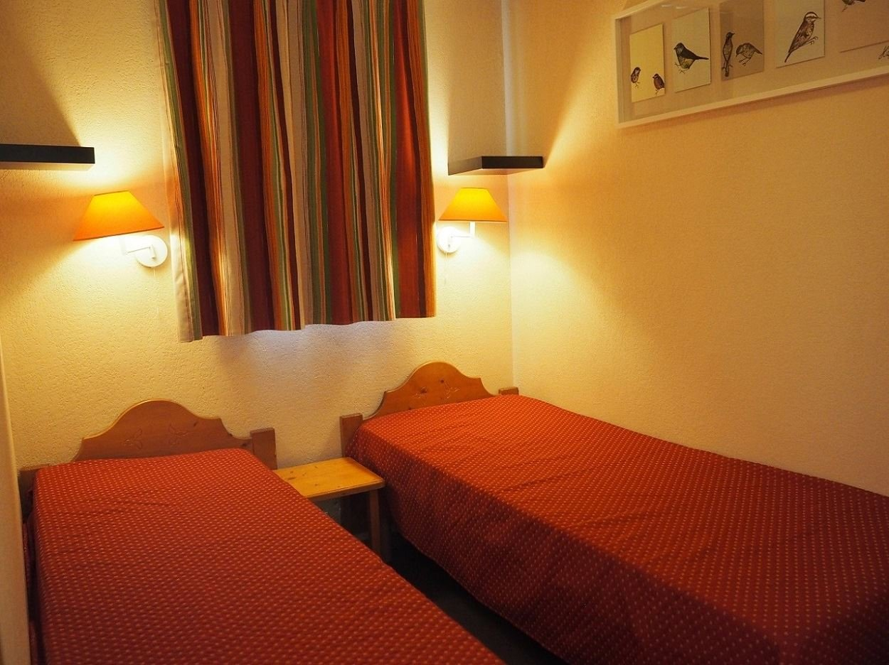 2 Room 4 Pers ski-in ski-out / Valmonts A 306