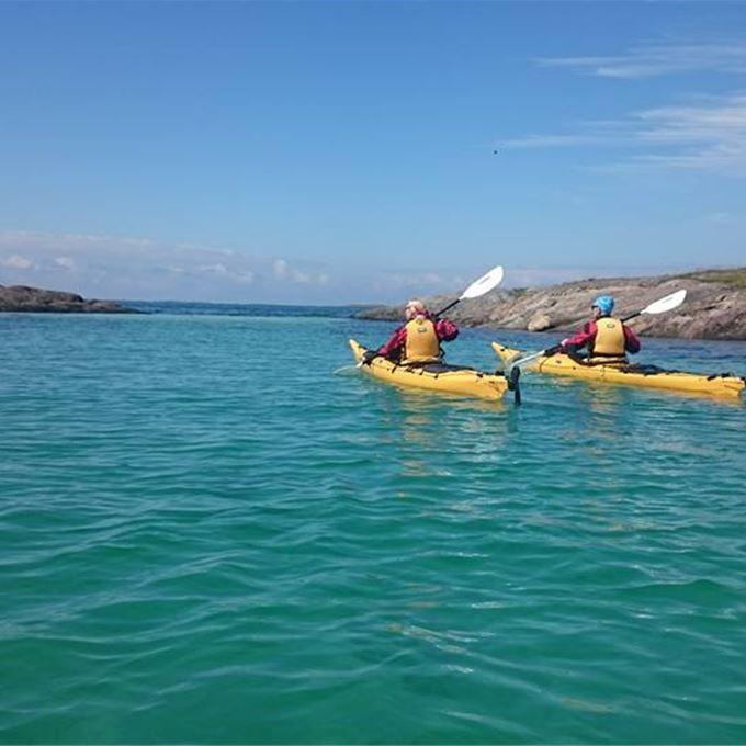 © Tømmervika Opplevelsessenter, 3-dagers guidet havpadletur med Basecamp Brasøy, Helgelandskysten 2017.