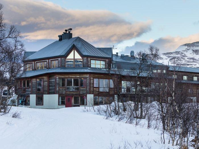 Storulvån, STF Mountain station