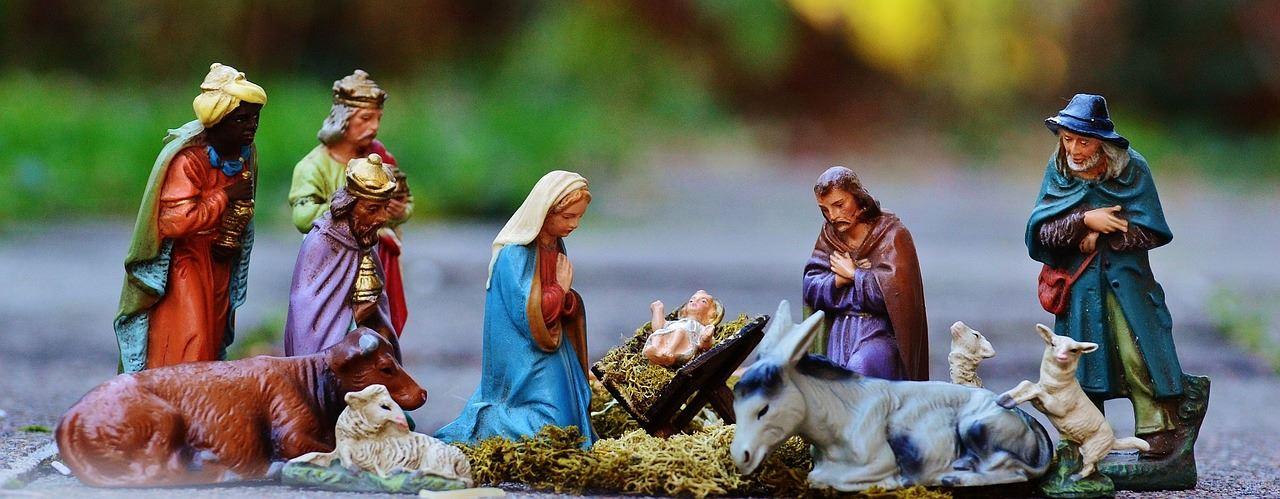 Samling vid julkrubban