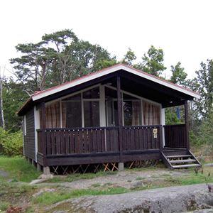 Cottage B (4 beds, 32 m², WC/shower)