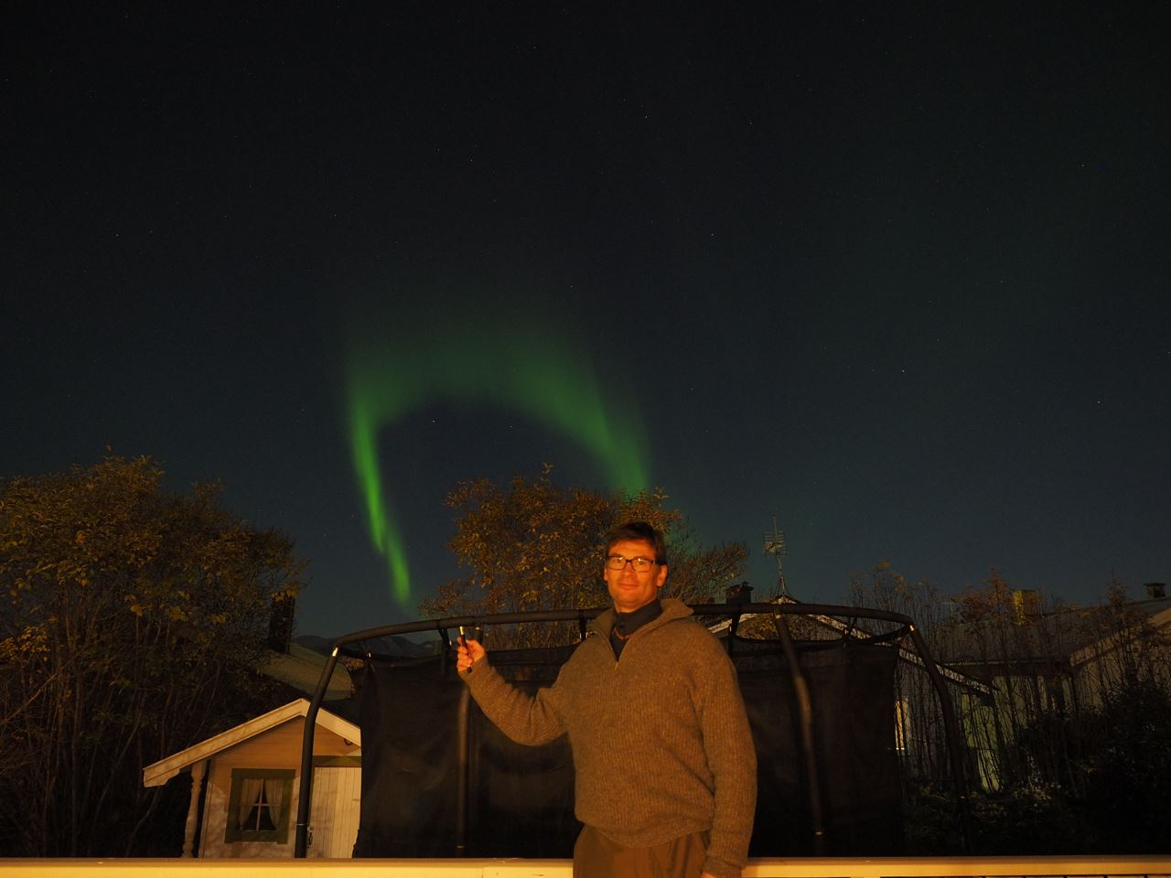 Short Northern lights chase with professional guide - Nordlyssenteret