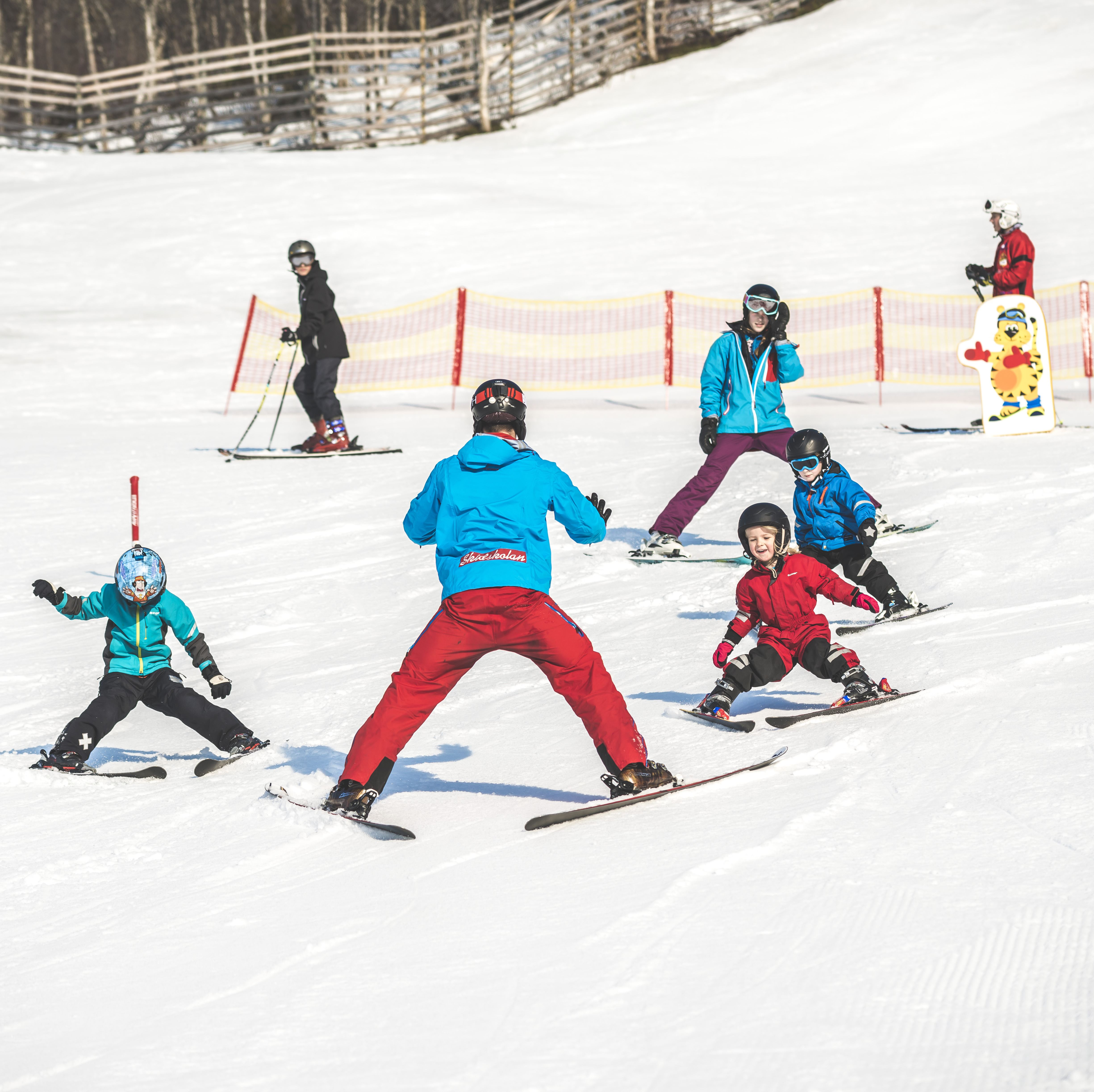 Book your spot at ski school - group lessons