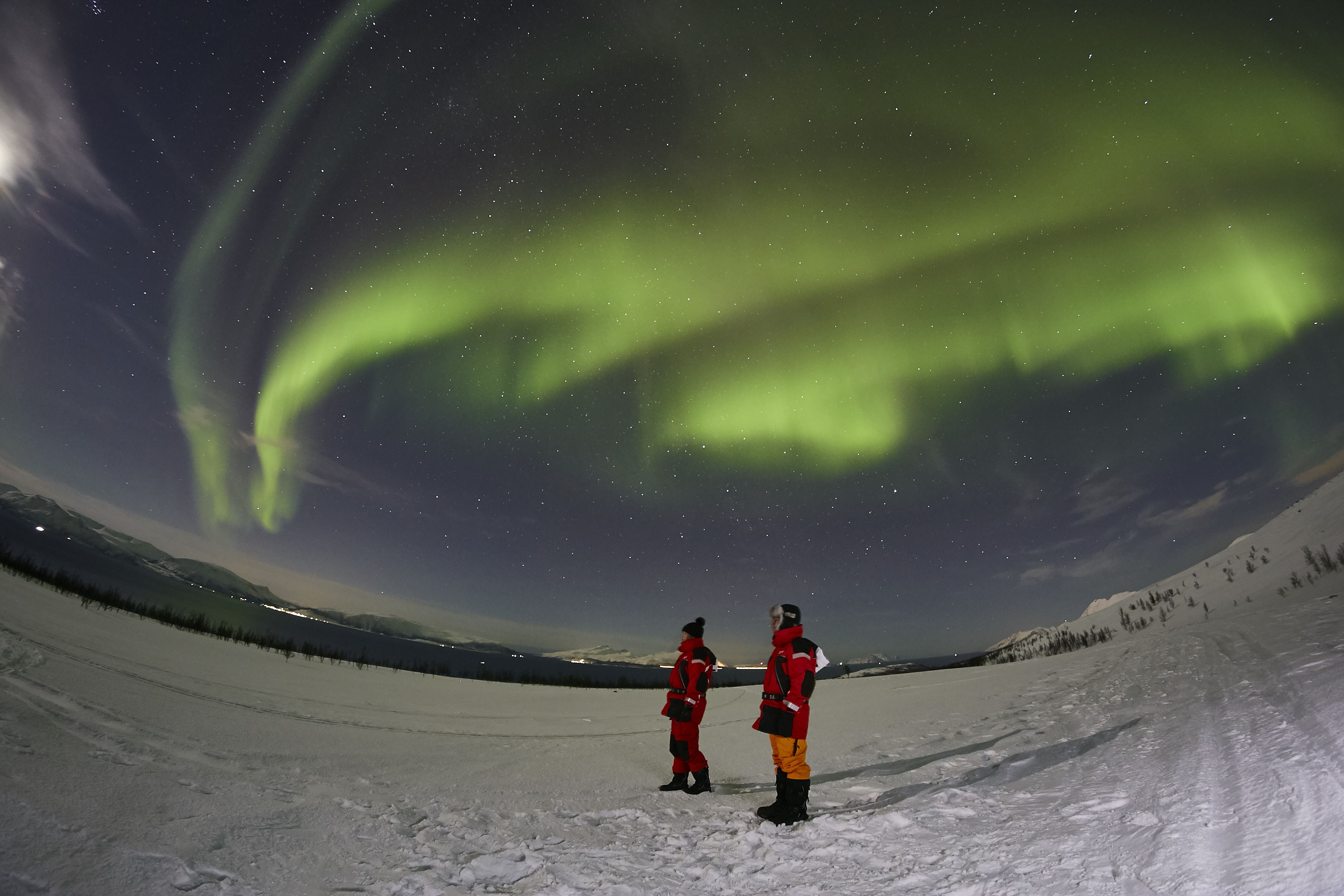 Aurora hunting by foot, car or boat