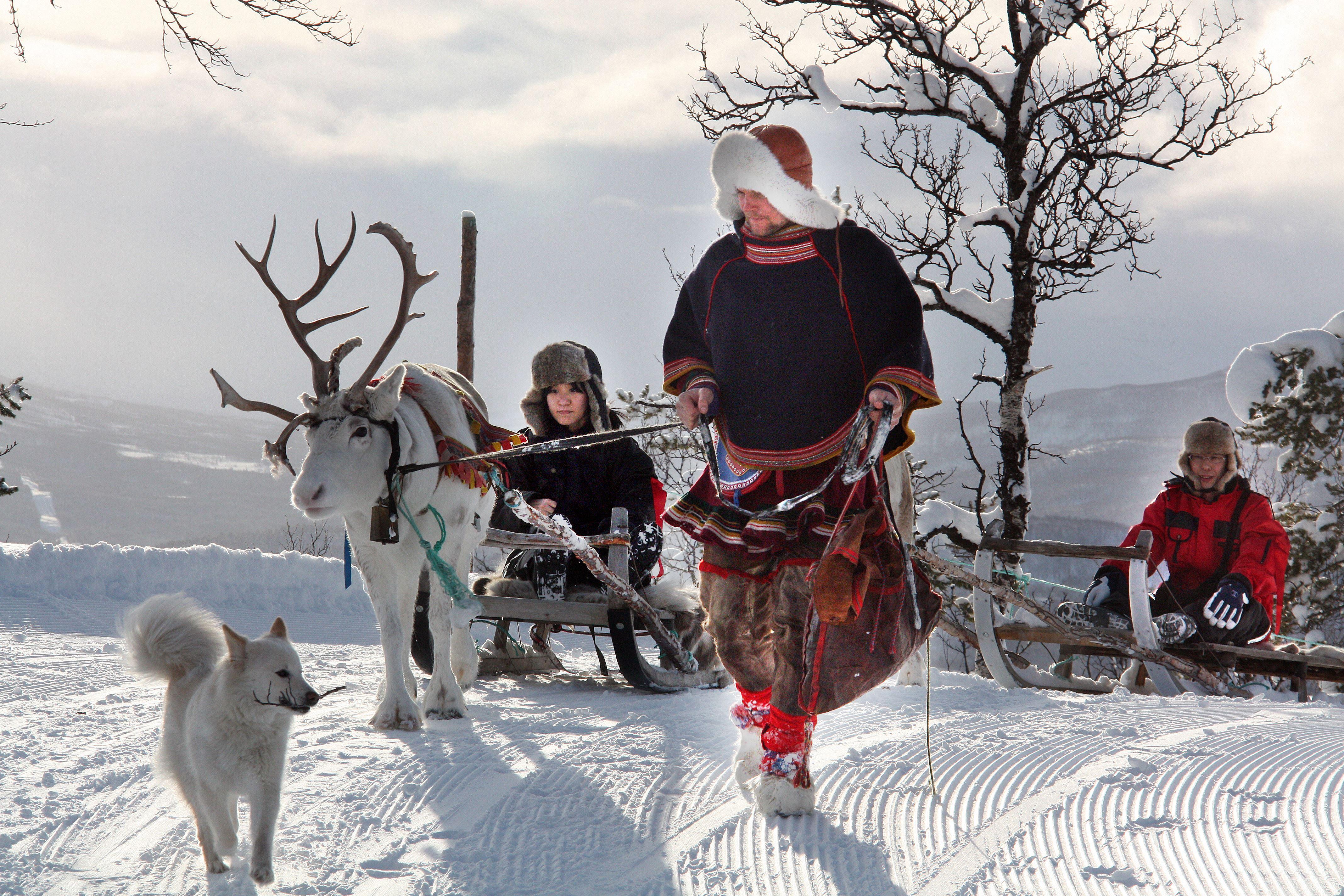 Snowman - Middag i samisk laavo - Destination Snowman