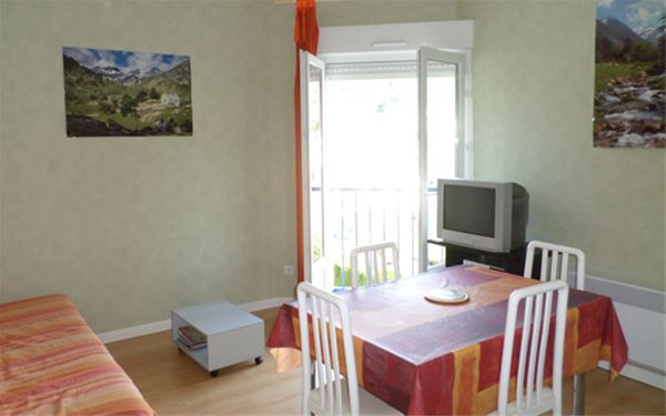 AGMP350-APPARTEMENT DANS RESIDENCE