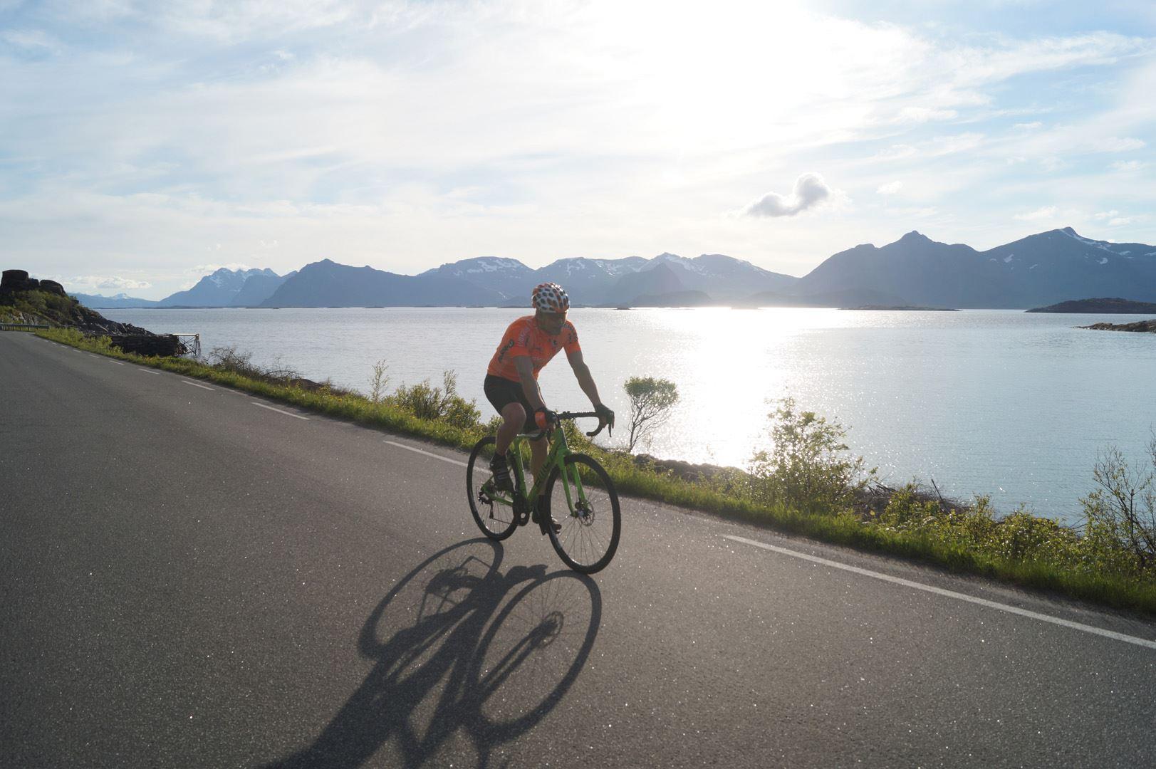 Guidet kulturtur på sykkel fra Svolvær