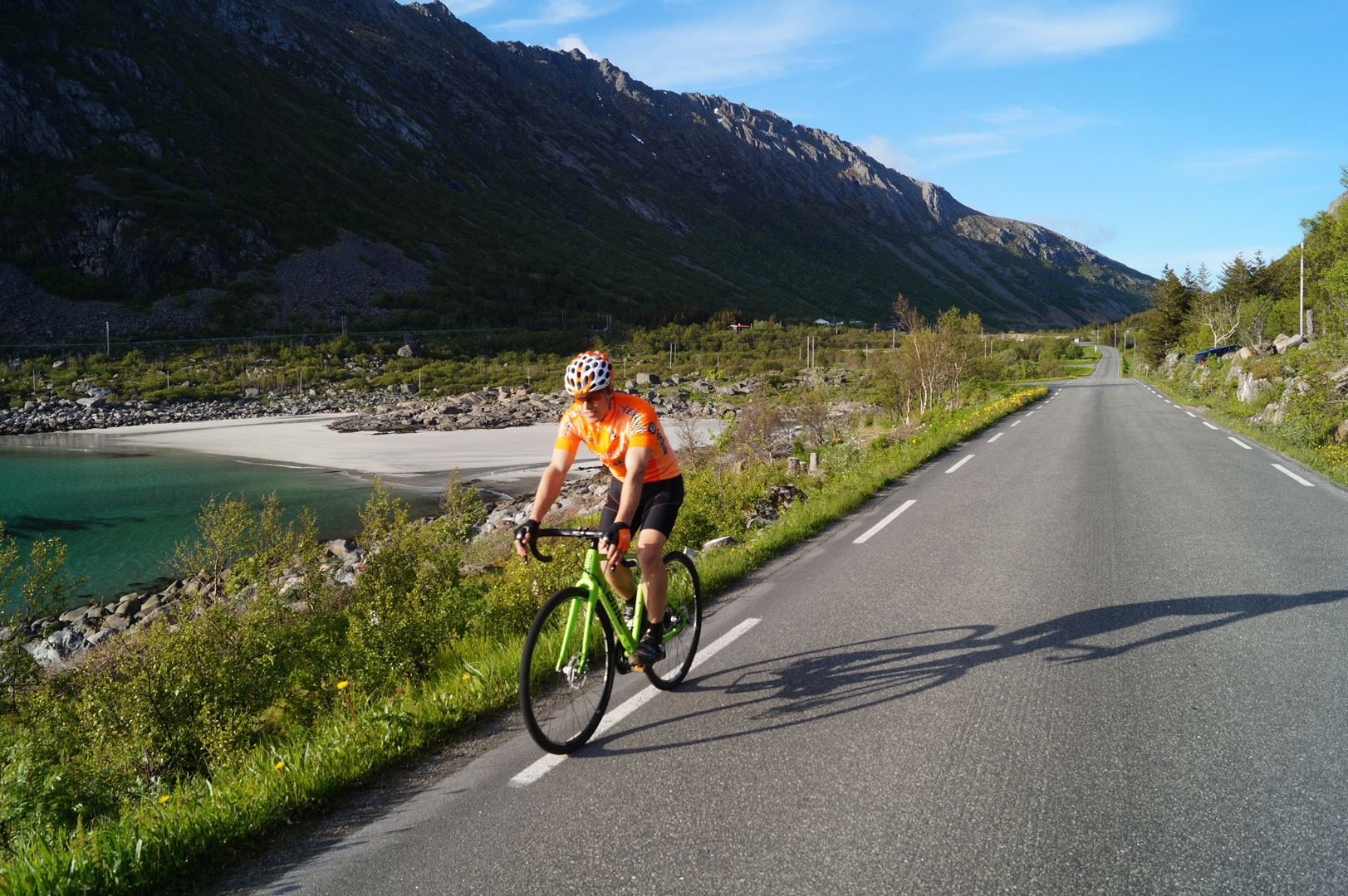 Guided culture cycle ride from Svolvær