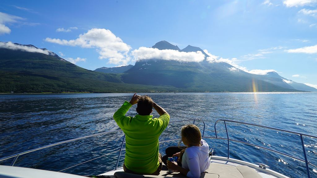 VIP Cruise with our luxury Yacht Arctic Queen - Arctic Cruise in Norway