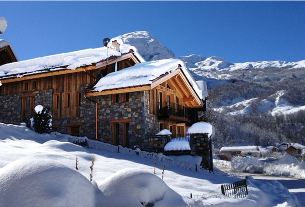 9 Room 10 Pers 200m from the slopes / LE CHALET