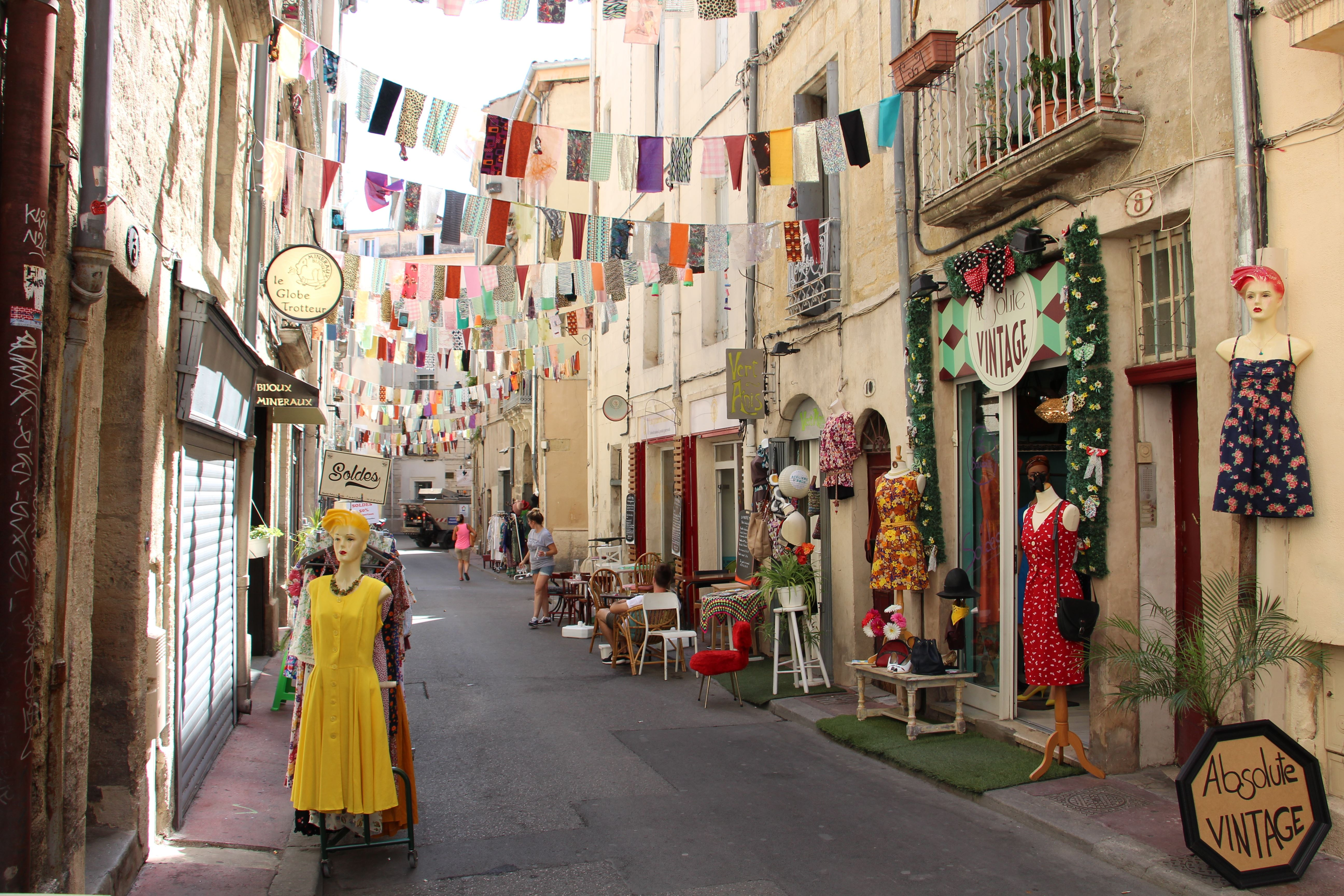 French Guided Tour : Every Shop its History