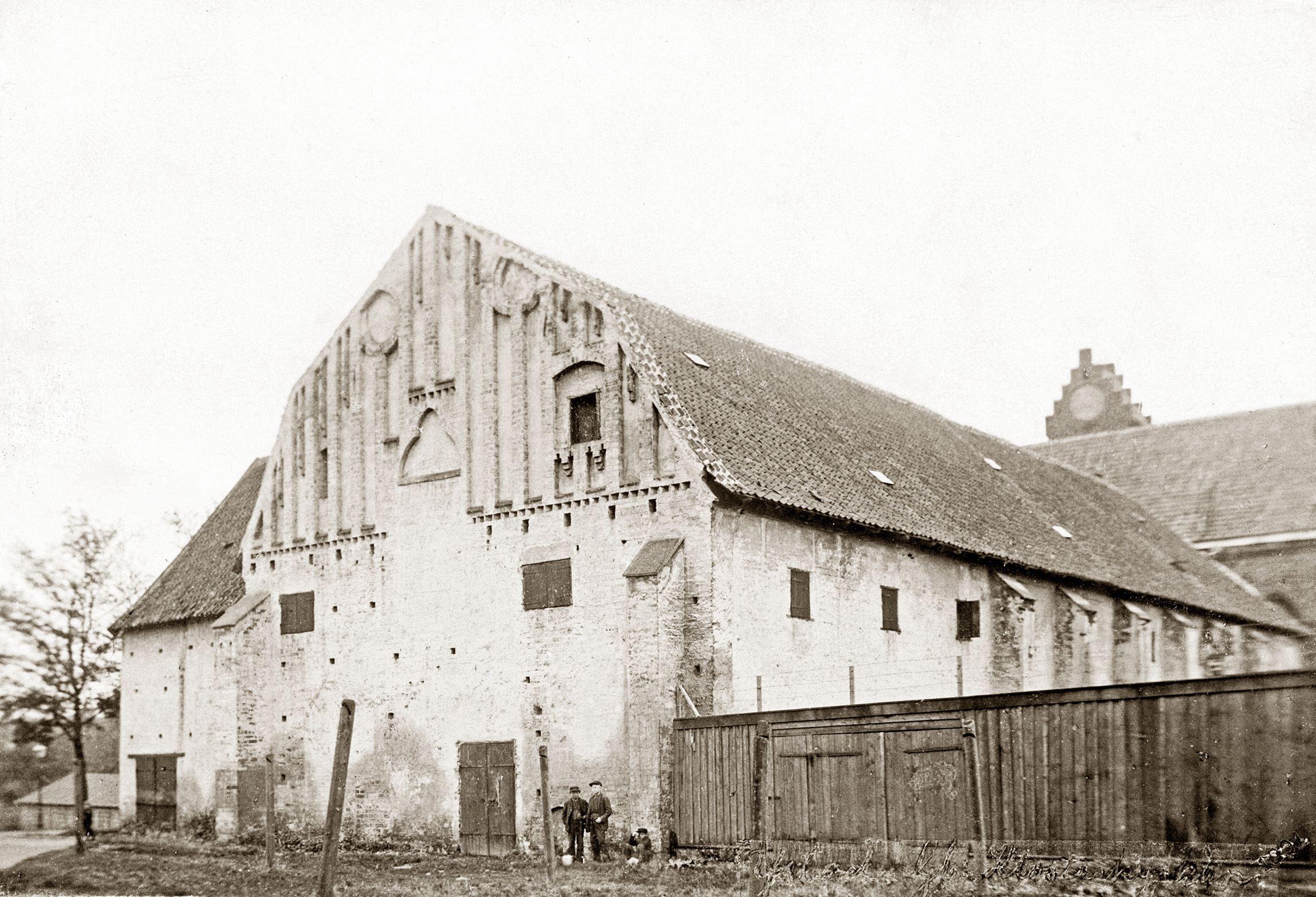 S.M. Marcus, Klostret i början av förra seklet
