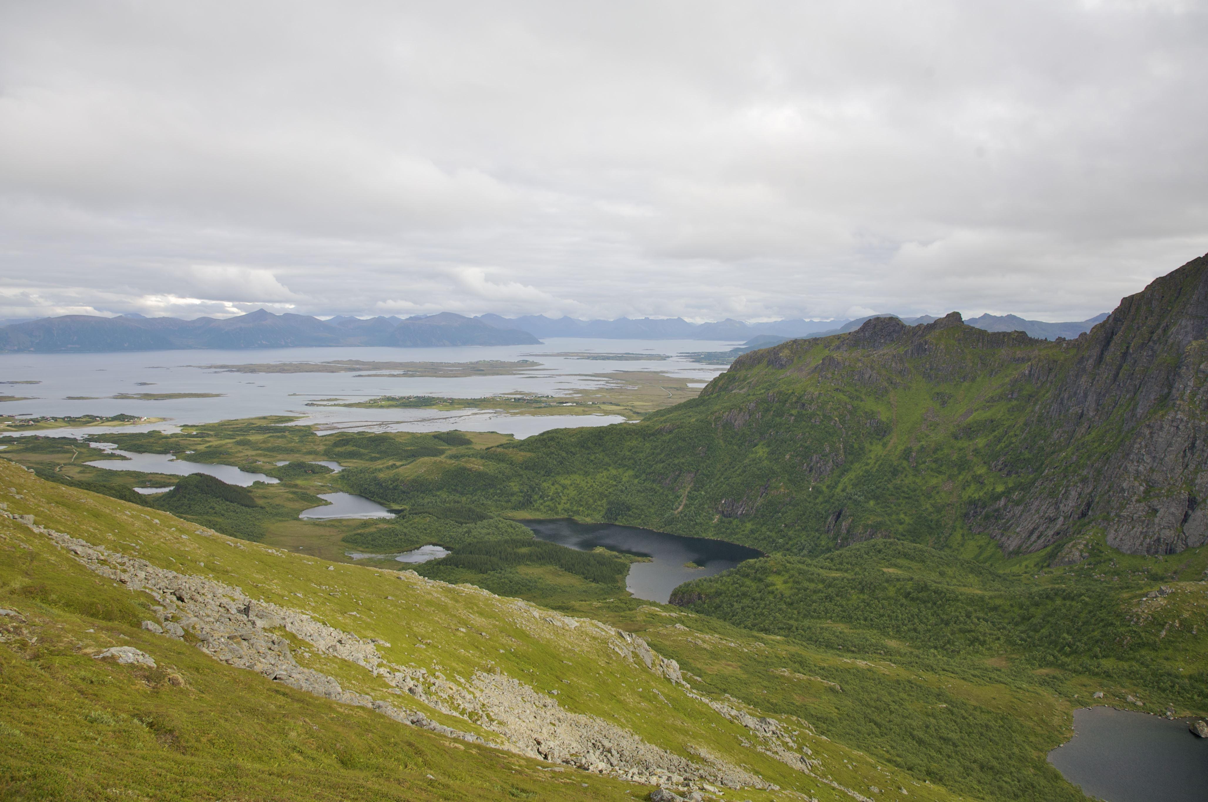 Ørnulf Berthinussen,  © www.visitvesteralen.com, Dronningruta - Eventyrlig vandring i Nord-Norge