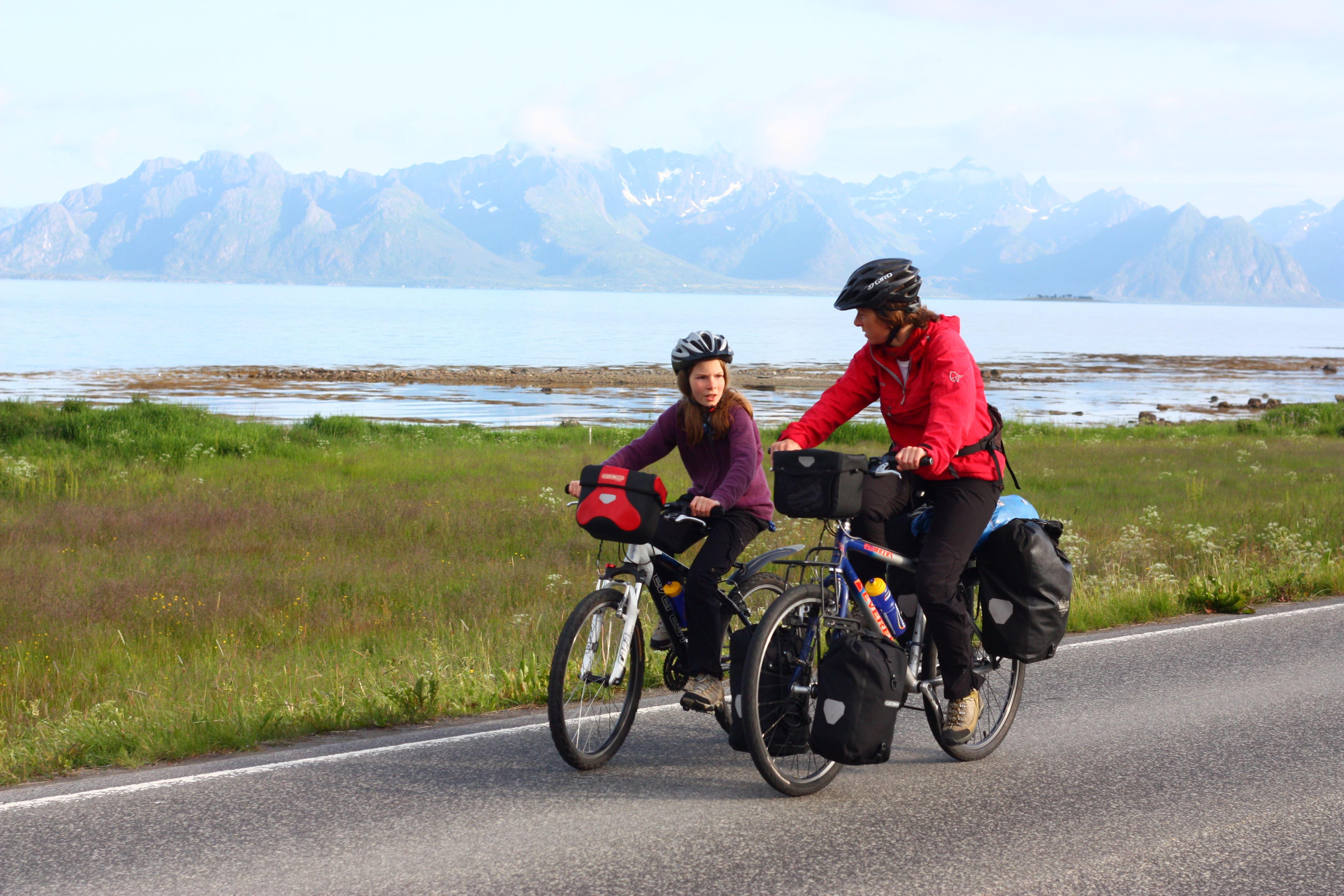 Øyvind Wold,  © www.visitvesteralen.com, Fahrradfahren auf Vesterålen