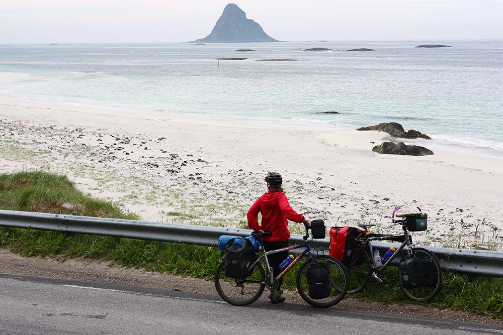 Øyvind Wold,  © www.visitvesteralen.com, Øyriket Vesterålen på to hjul