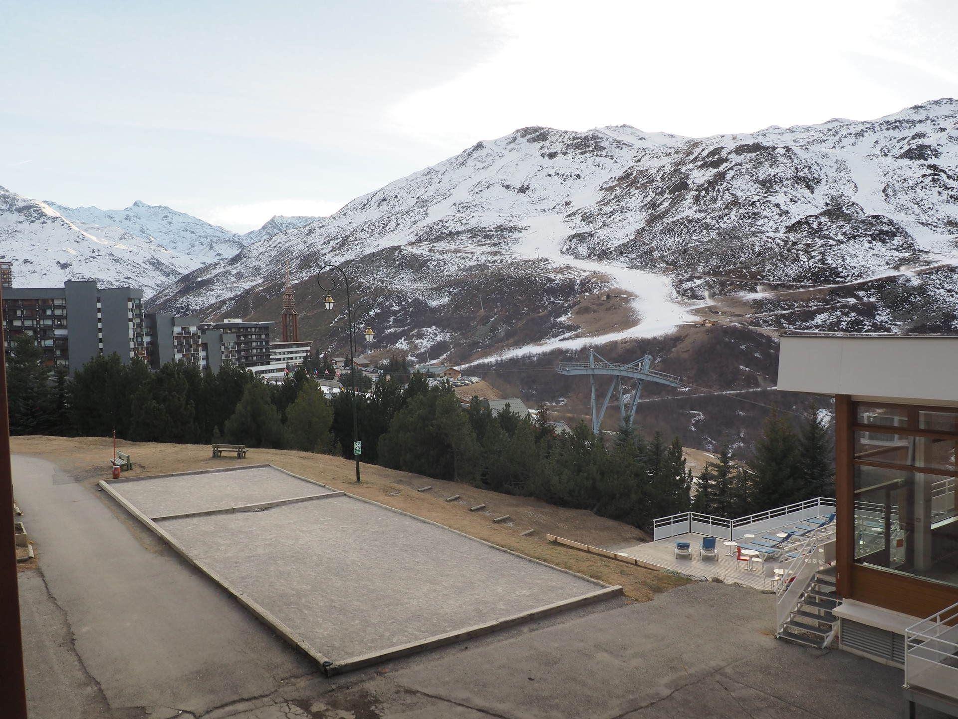 2 Pièces 5 Pers skis aux pieds / LES LAUZES 14