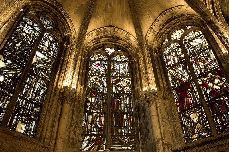 Contemporary stained glass windows in Reims
