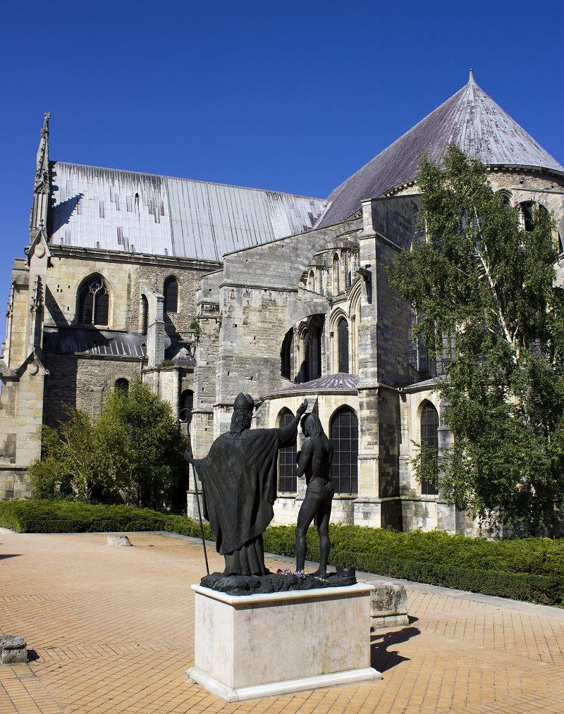 Saint Remi basilica - bilingual tour English and French
