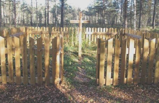 I dag är graven 5 x 5 m