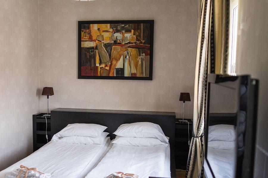 Xhotel