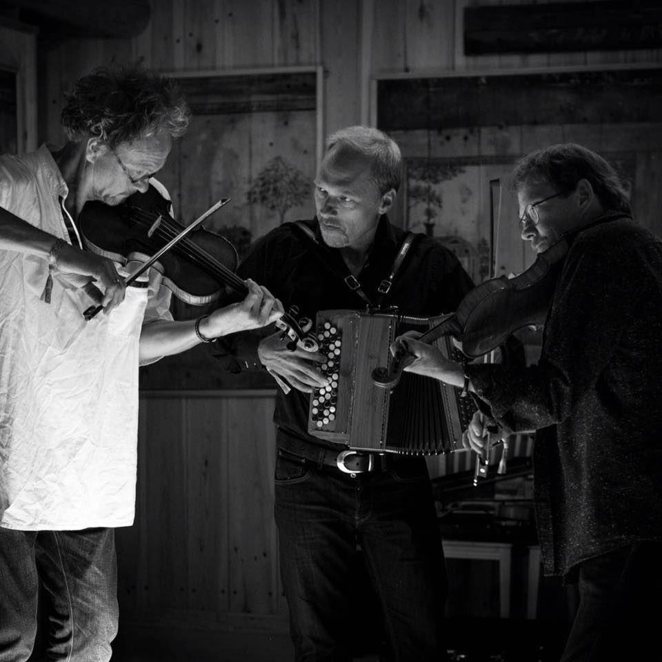 Folkmusikcafé: Anders Eriksson, Håkan Olsson och Urban Andersson
