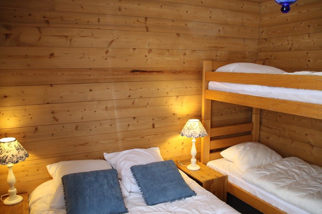 ROC DE PECLET A13 / APPARTEMENT 3 PIECES + CABINE 8 PERSONNES - ADA