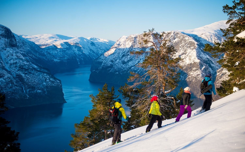 Fjord Norge,  © Sverre Hjørnevik, Snowshoe hiking and Ægir Viking dinner