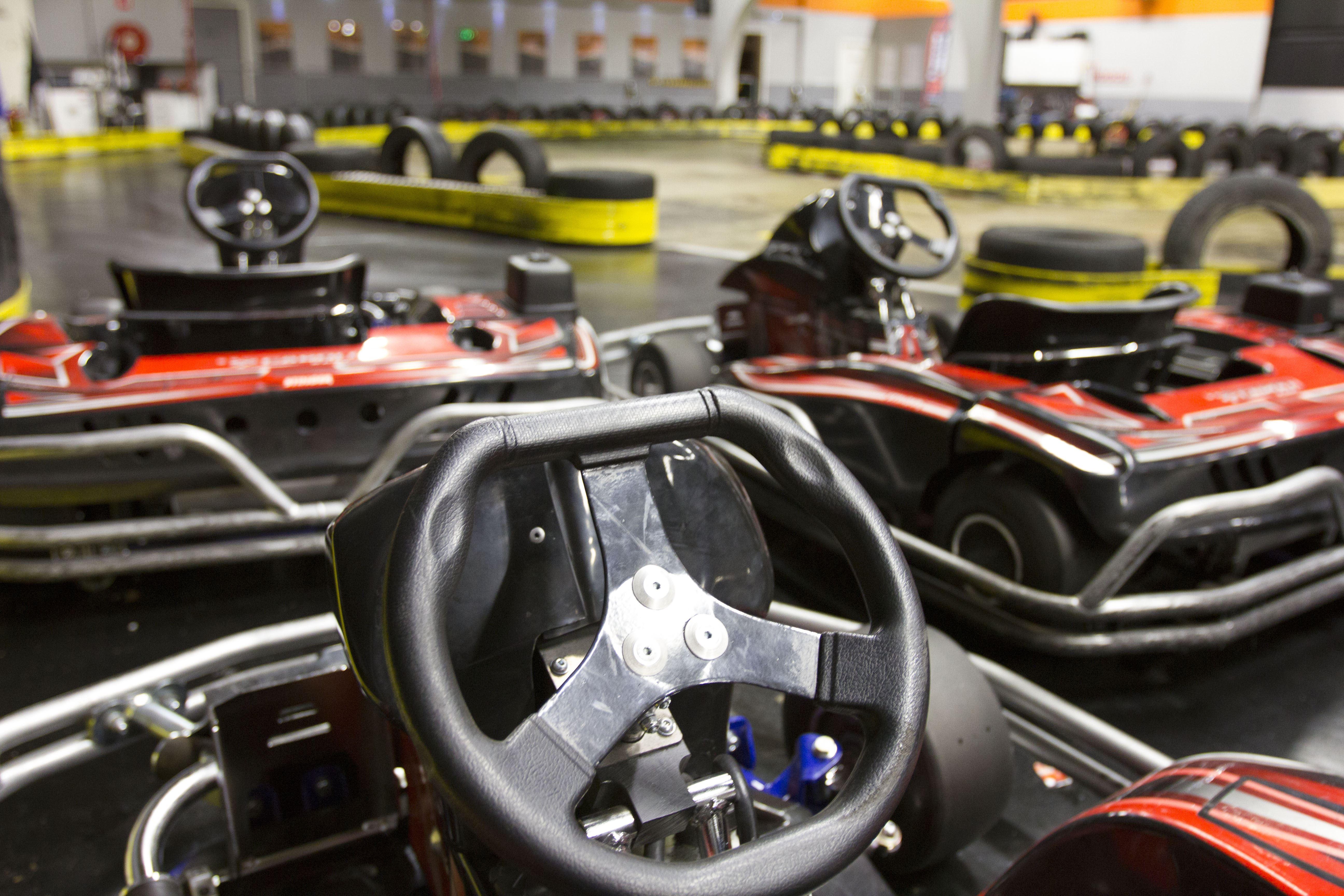 Drop-In-Paket mit Go-Kart-und Laser-Spiele