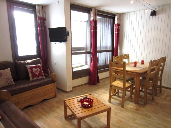 2 Room 5 Pers ski-in ski-out / ORIGANES 330
