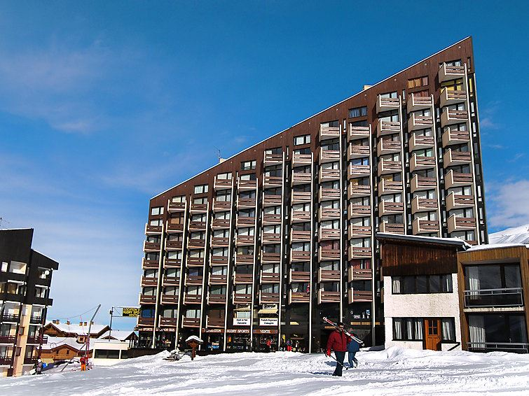 3 Room 7 Pers ski-in ski-out / GRANDE MASSE 908