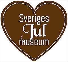 Foto: Sveriges Julmuseum,  © Copy: Sveriges Julmuseum, Brunt hjärta med vit text