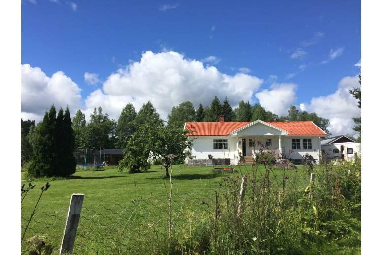 Arvika - Mysig villa i Hallebol 103 kvm boyta