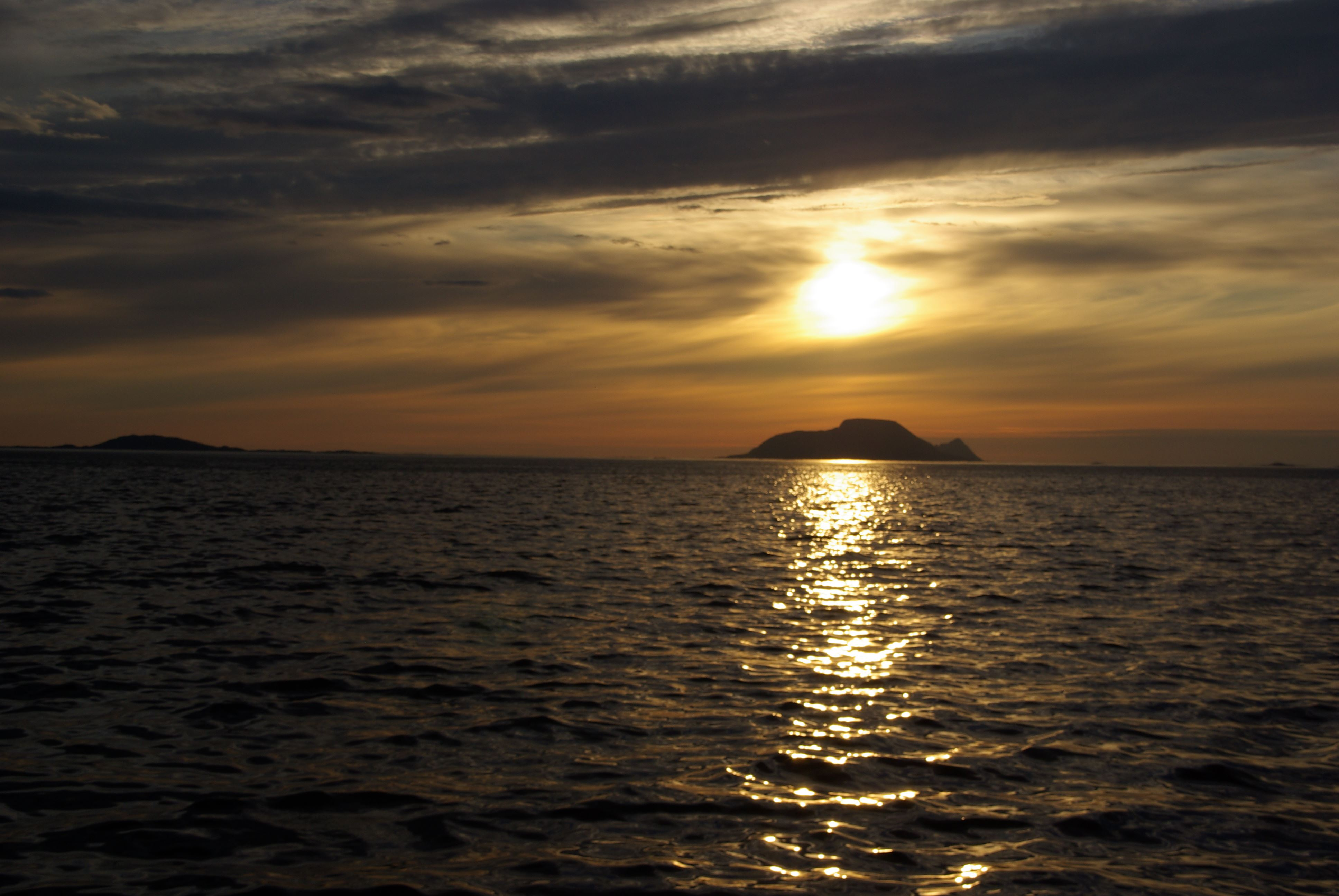 Midnight sun cruise with MS Senjafjell - Solbø Maritime