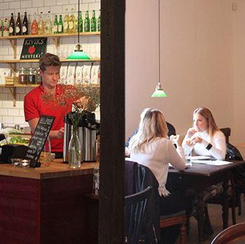 Solnäs Gård - café