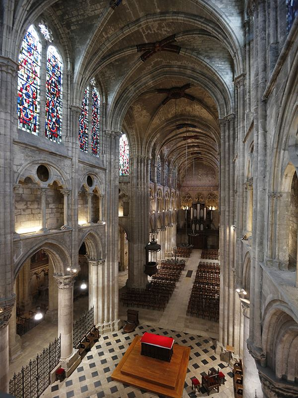 L'église abbatiale Saint-Julien