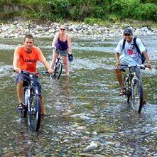 """Baja la colina""""La Culebra"""" en El Rio Cangrejal en bicicleta de montaña"""