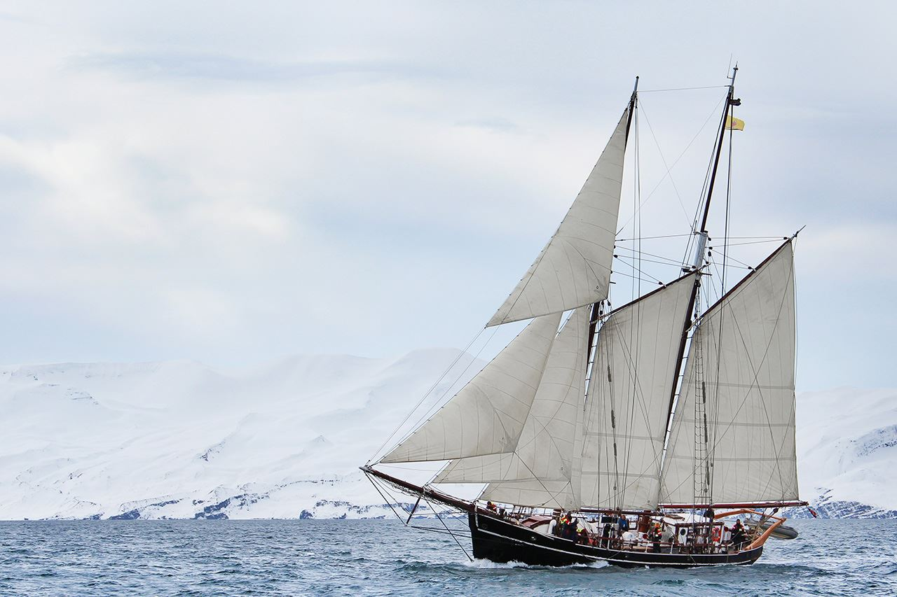 Ski and Sail – Arctic Island Hopping in Lyngen
