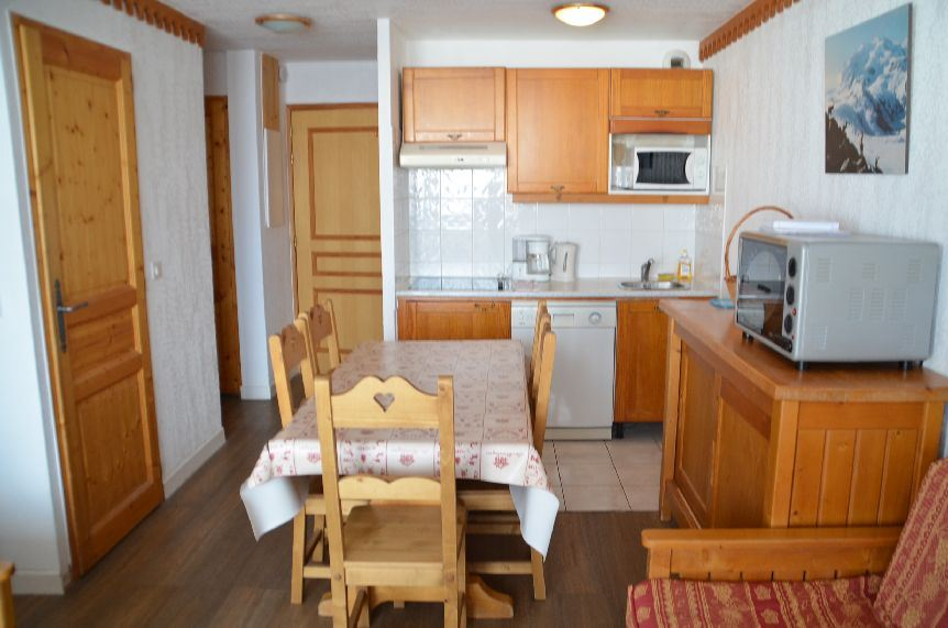 2 Rooms cabin 4/6 Pers ski-in ski-out / BOSSON 2