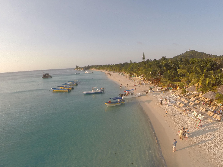Explorando el lado oeste de Roatan Isla de la Bahia