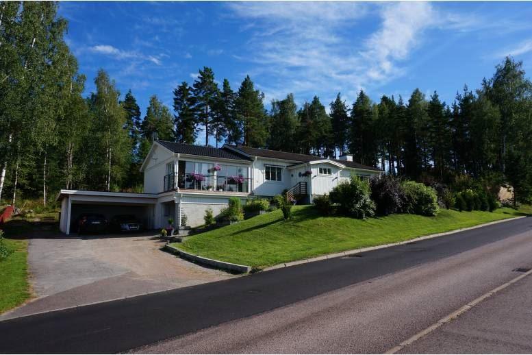 Arvika - Villa i Arvika utsikt sjö och Arvika centrum