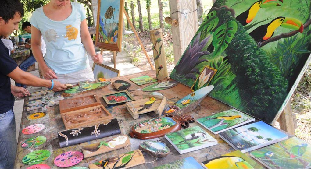 Artesanos y Guias de El Pino