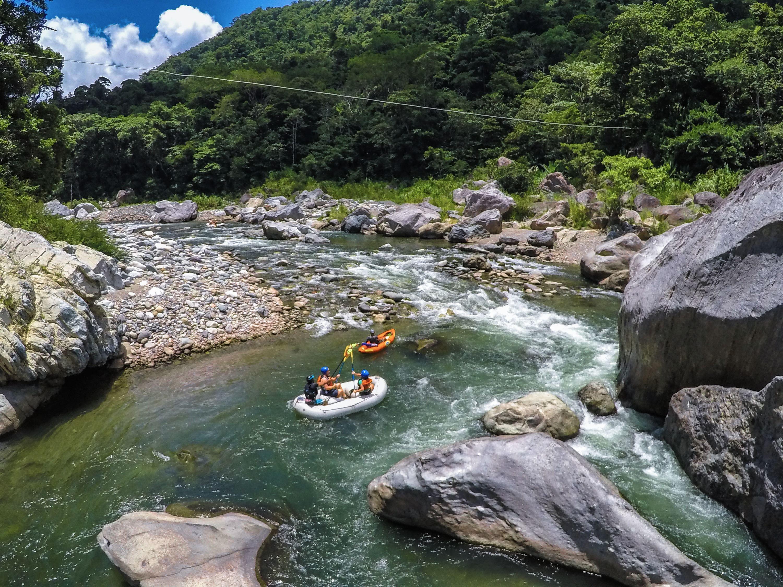 Water rafting in Cangrejal River