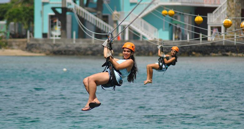Tour Zip y Dip Canopy en Roatan