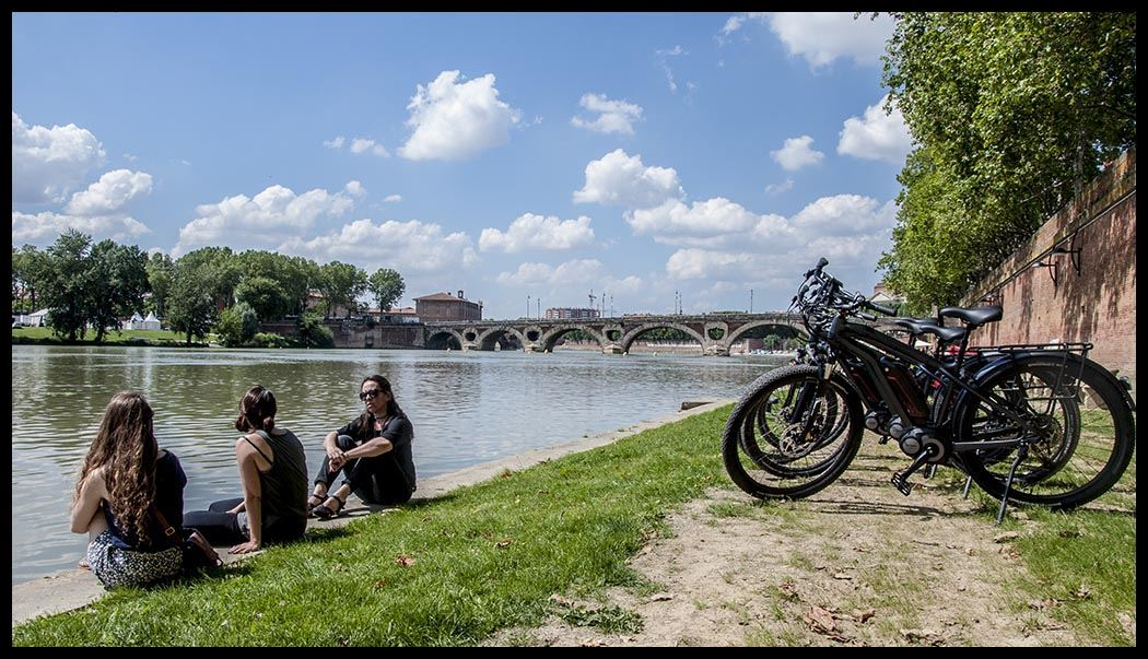 Discovering Toulouse by electric bikes