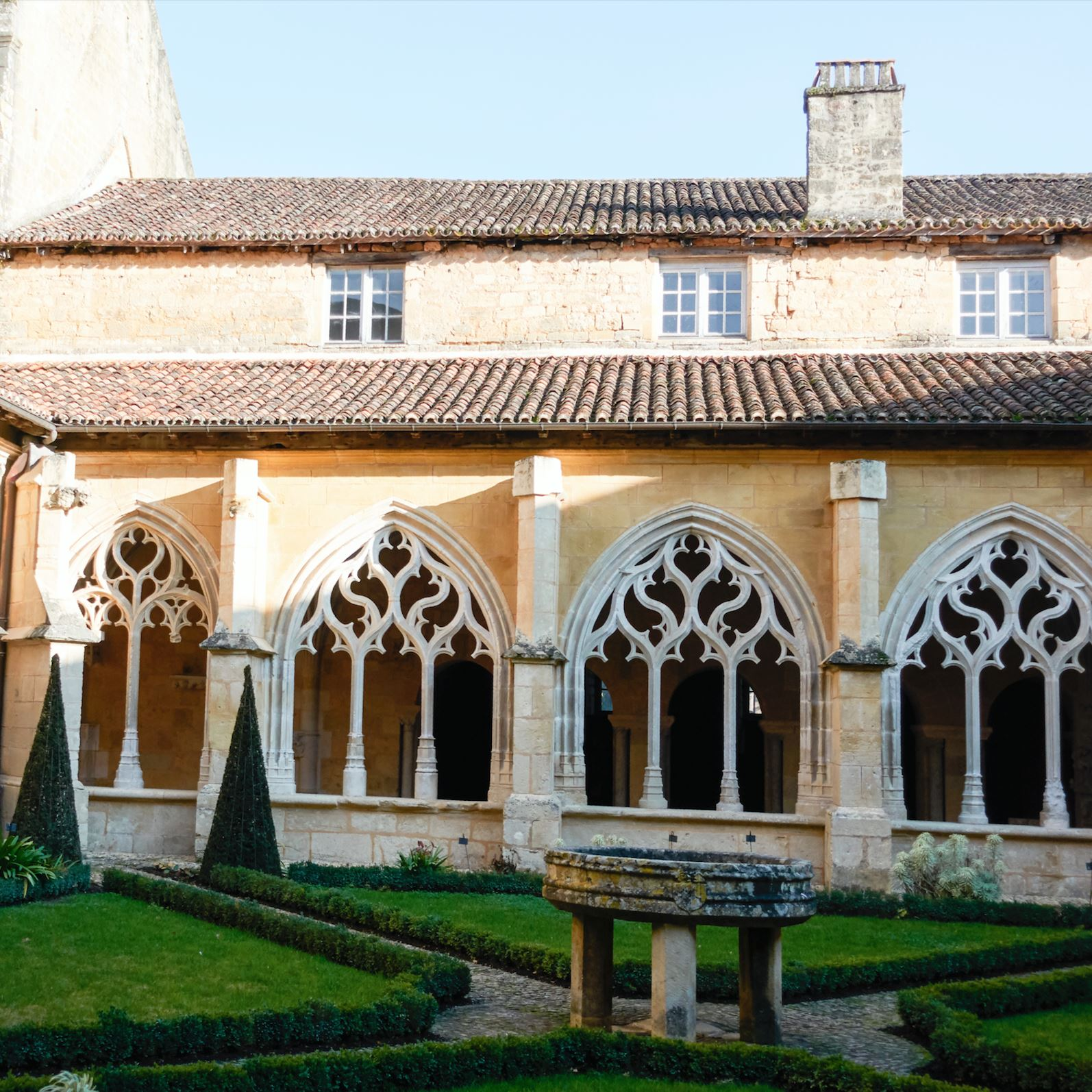 Visit of cloister of Cadouin from 10:00am