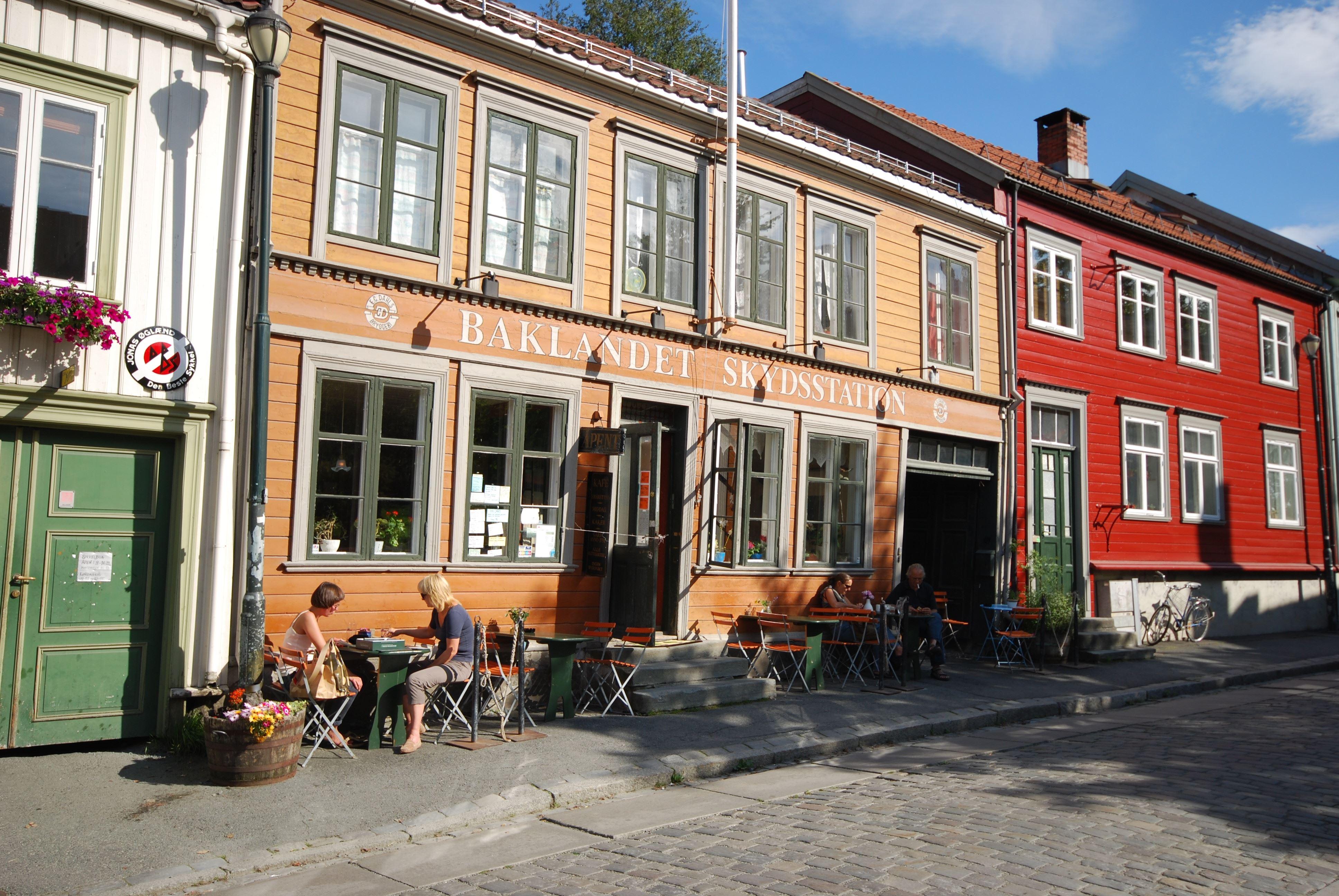 Baklandet Skydsstation, Byens mest sjarmerende café