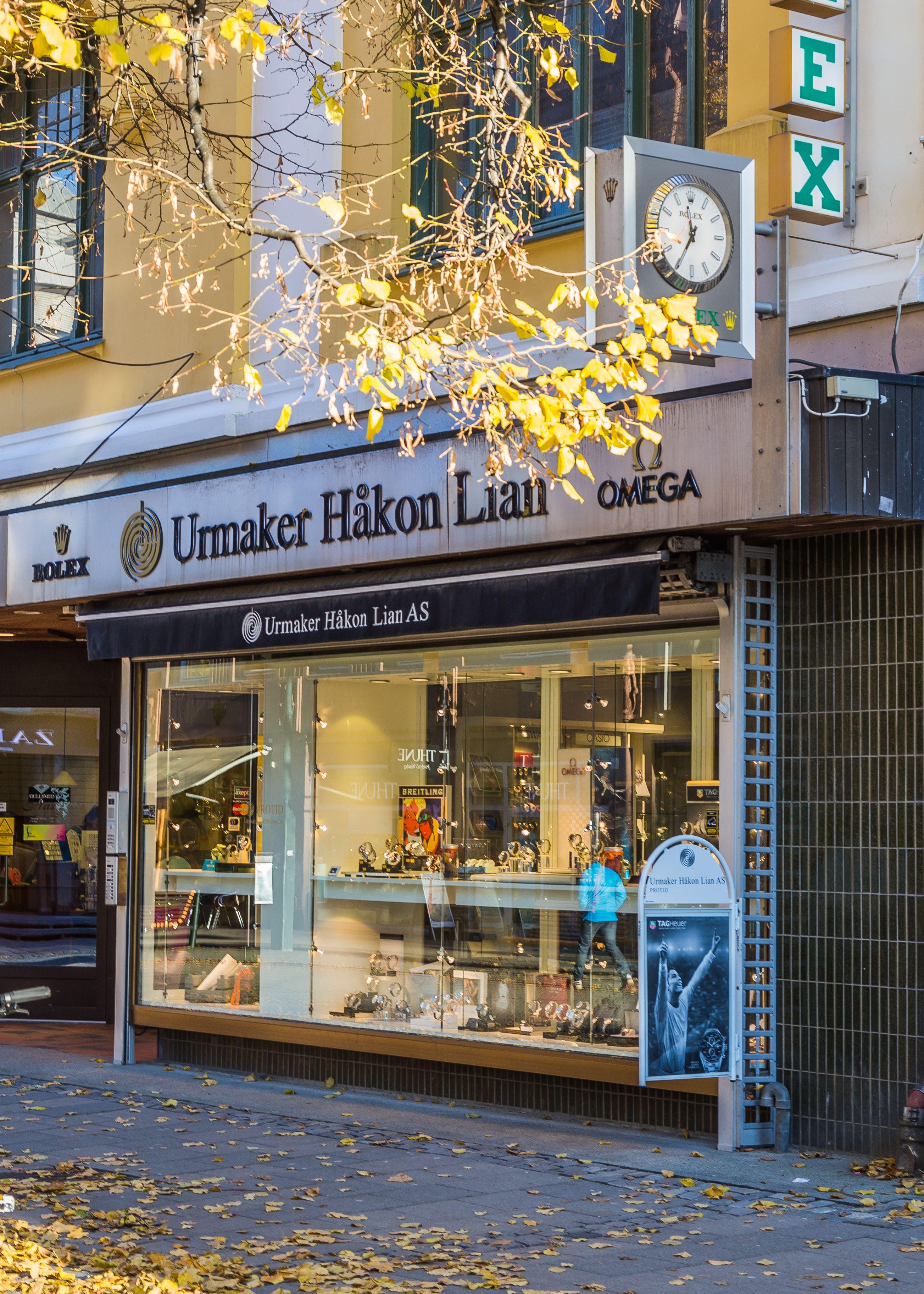 Visit Trondheim, Fasaden av Urmaker Håkon Lian i Trondheim